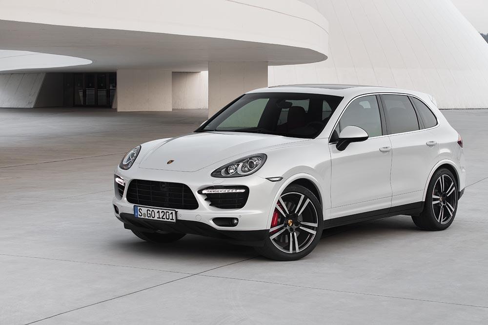Porsche_Cayenne_Turbo_S03