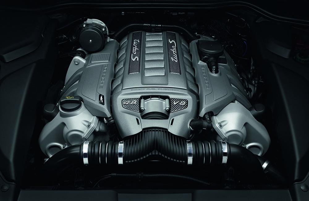 Porsche_Cayenne_Turbo_S05